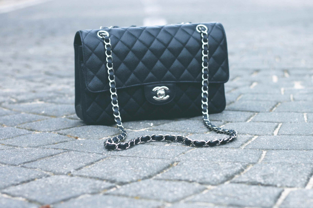 Fashion Blogger Trini Chanel Flap