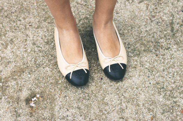 Fashion Blogger Trini Chanel Flats