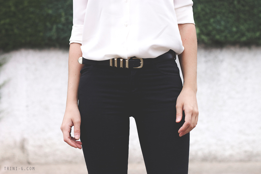 Fashion Blogger Trini The Kooples belt