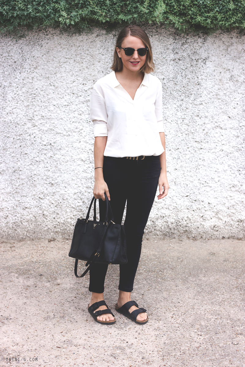 Fashion Blogger Trini black jeans
