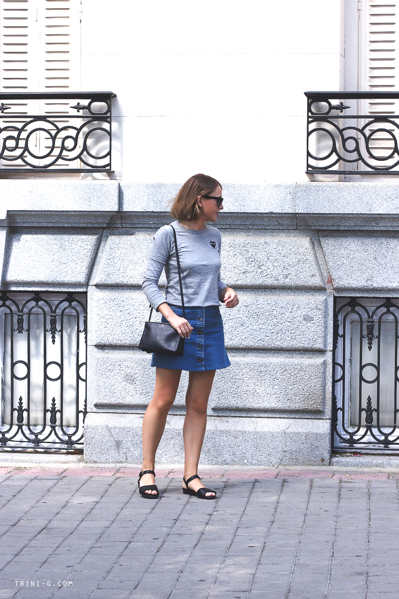 Grey tshirt denim skirt fashion blogger Trini
