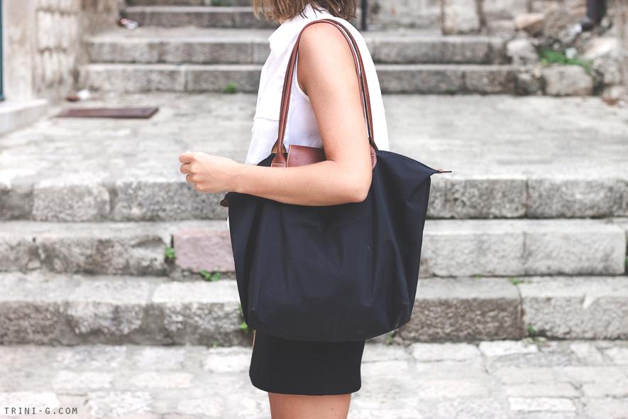 fashion blogger Trini Longchamp le Pliage black tote