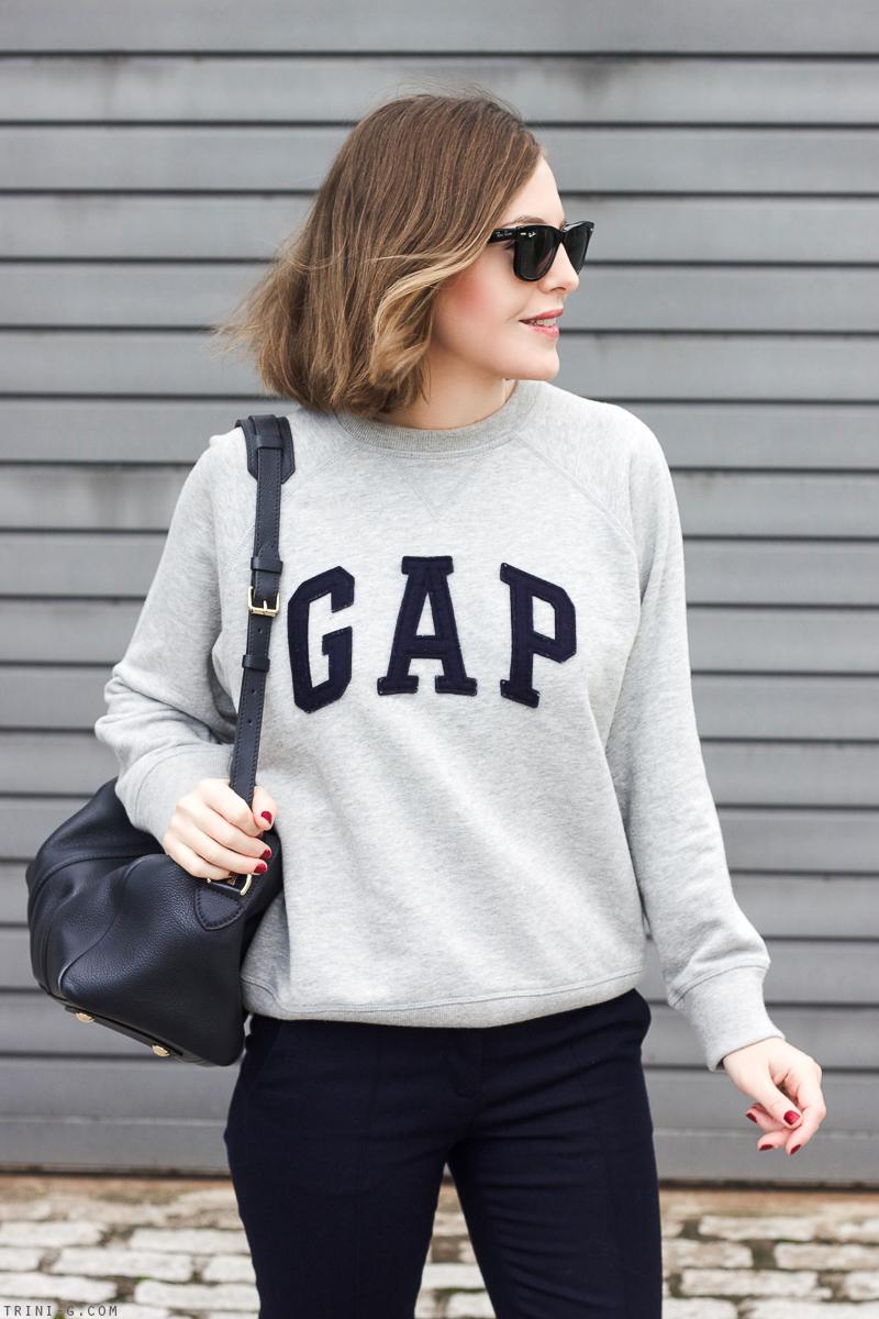 Trini  grey Gap sweatshirt