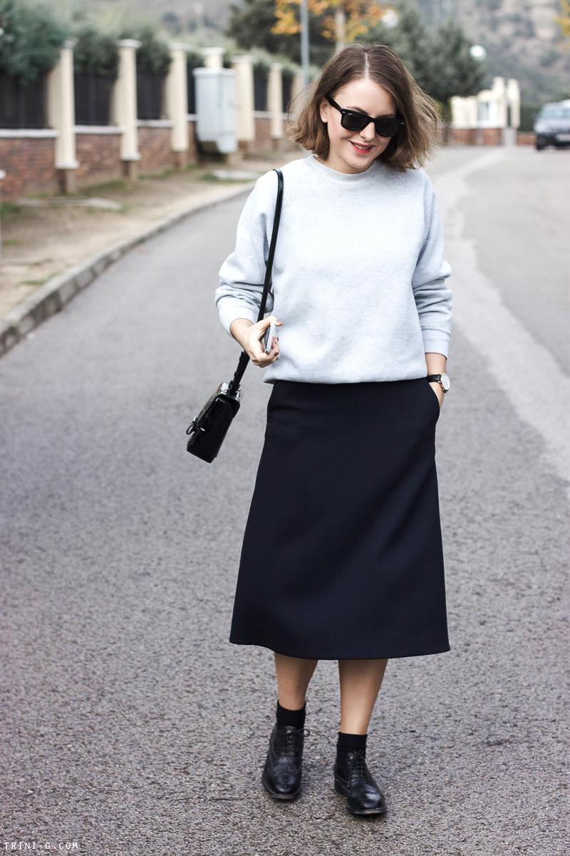Trini | Sweatshirt and midi skirt