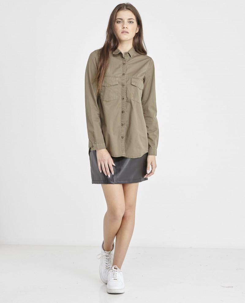 camisa-militar-bolsillos