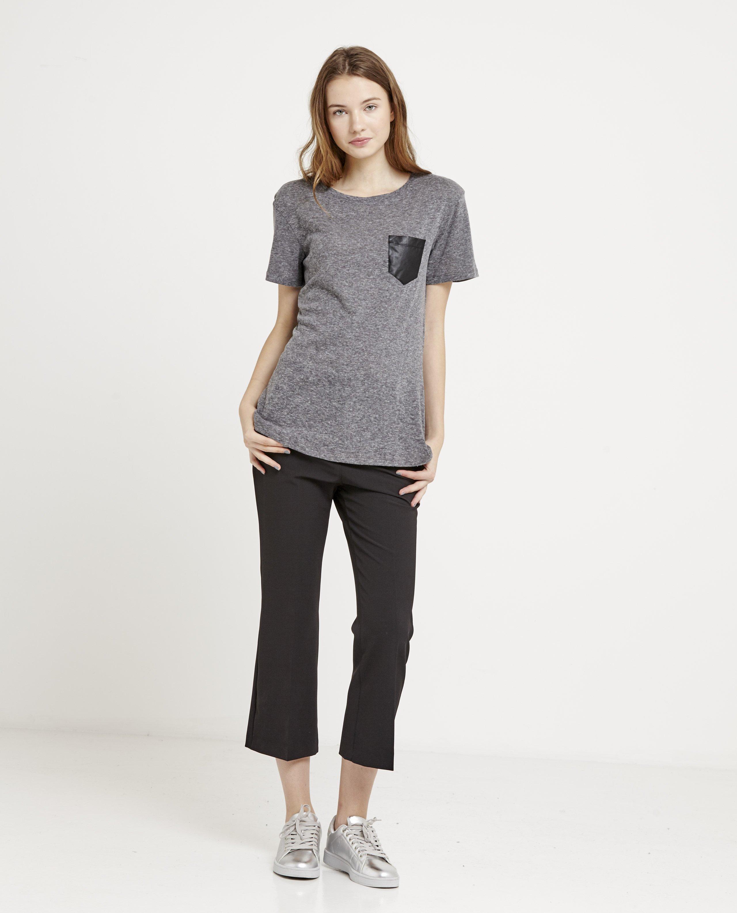 camiseta-bolsillo-polipiel