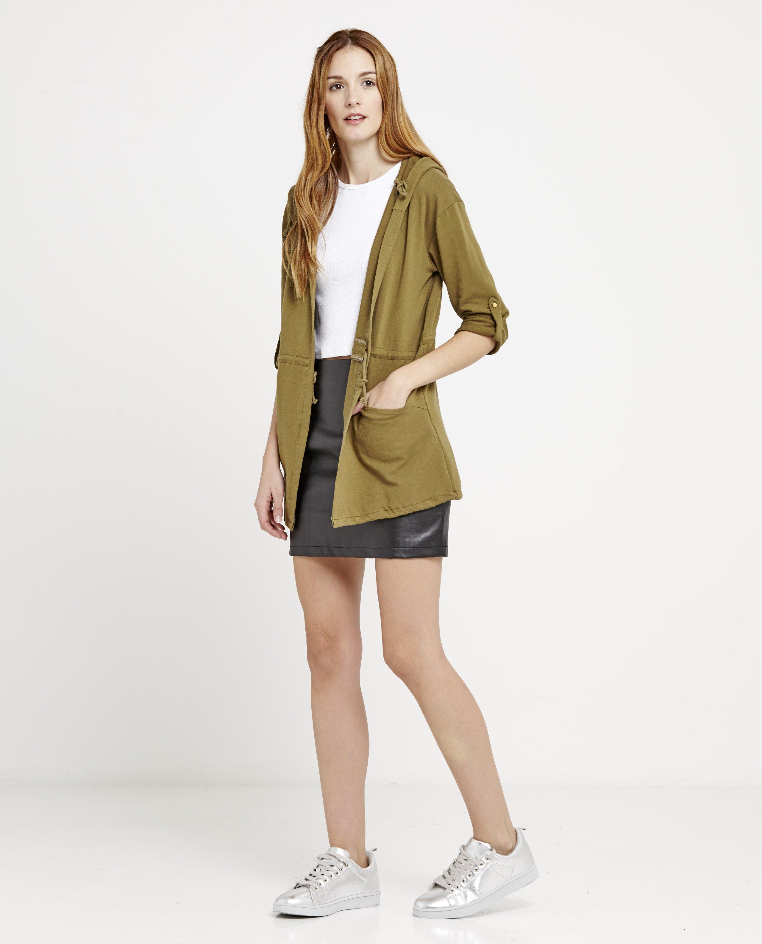 chaqueta-sport-capucha-