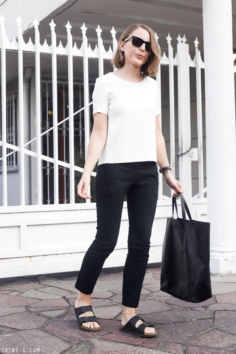 Trini | black and white summer outfit Birkenstock Arizona sandals