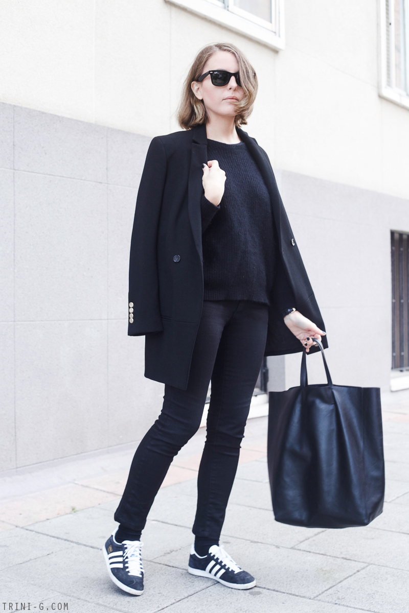 reputable site 15e2d 3d858 Trini  All black outfit  The Kooples black coat Acne Studios jeans ...
