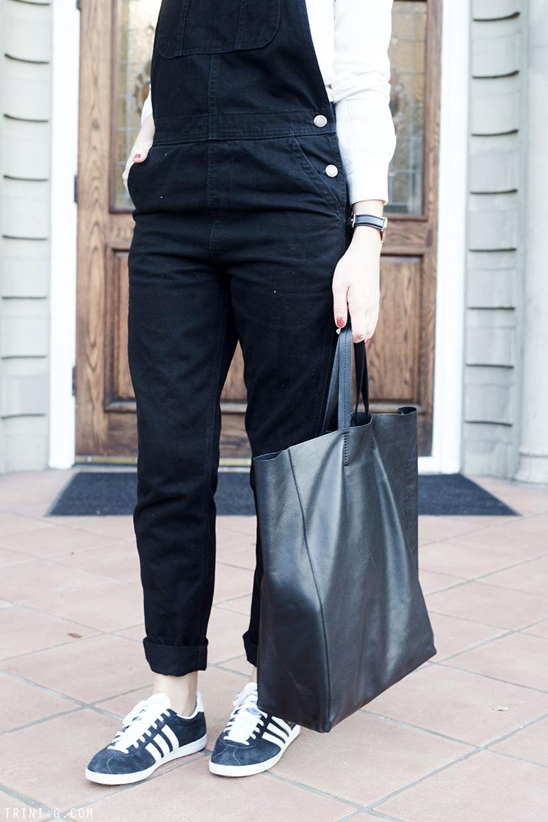 Trini | Adidas Gazelle sneakers Céline cabas bag