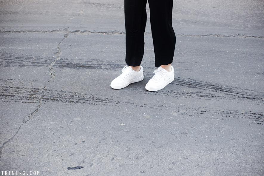 Trini |Gap sweatshirt Levis vintage shorts Adidas Superstar sneakers