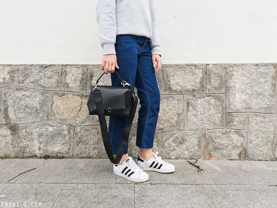Trini | Levi's jeans Adidas Superstar sneakers