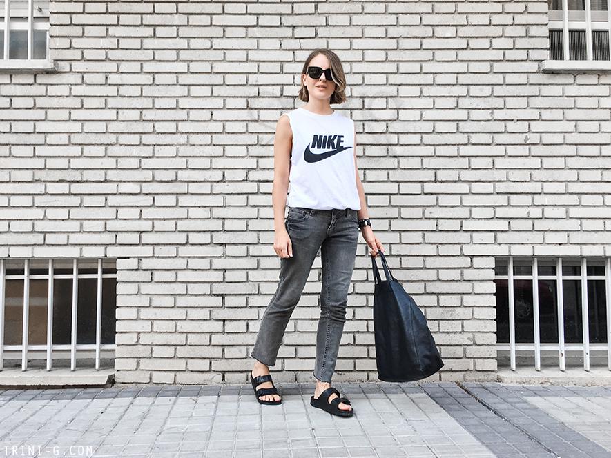 Trini | Nike tshirt Birkenstock sandals
