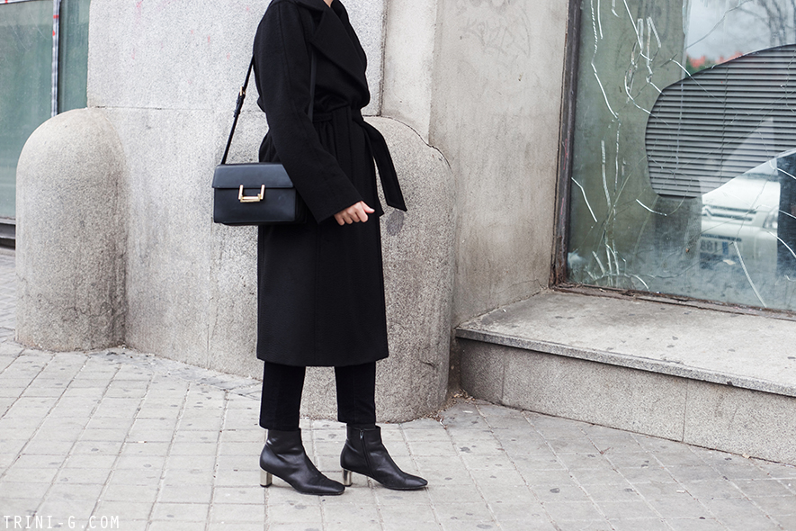 Trini |MaxMara Manuela coat Saint Laurent Lulu bag