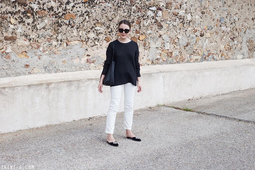Trini | The Row jeans Manolo Blahnik slides