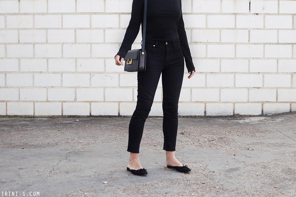 Trini |Khaite Kassandra jeans Manolo Blahnik shoes