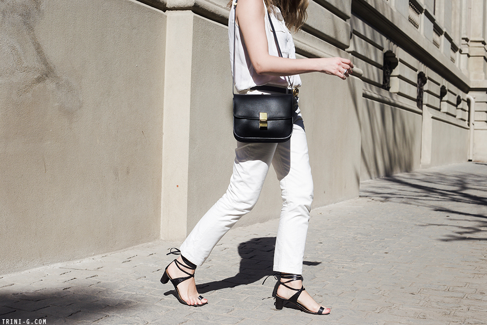 Trini | The Row Ashland jeans Céline sandals