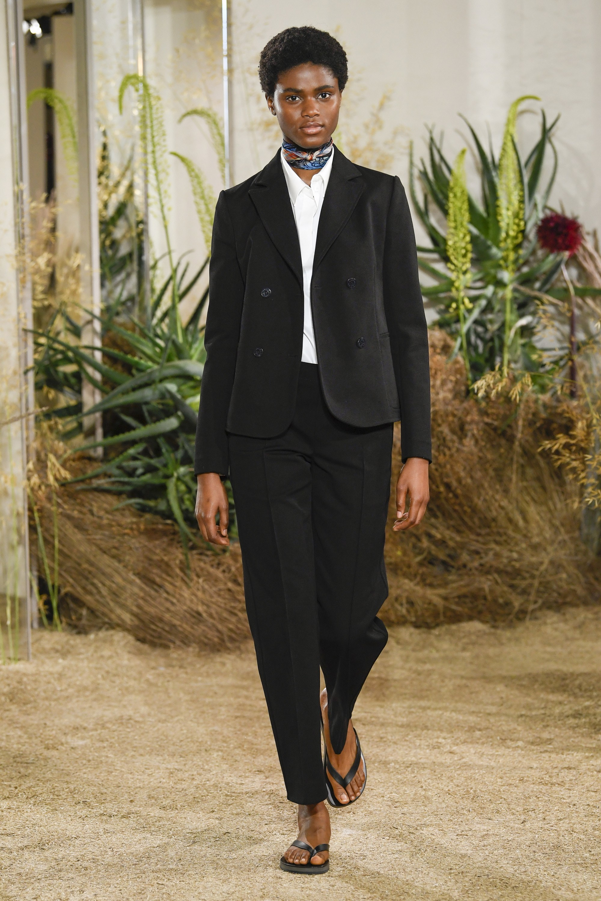 Trini |Hermés Resort 2019 RTW Collection