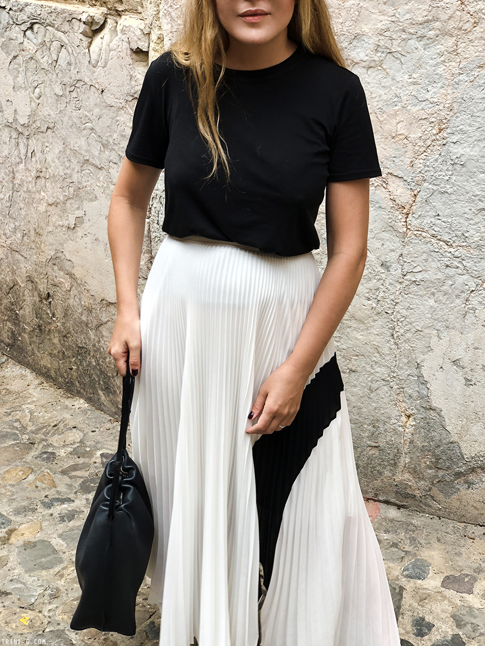 Trini | The Row t-shirt Proenza Schouler skirt