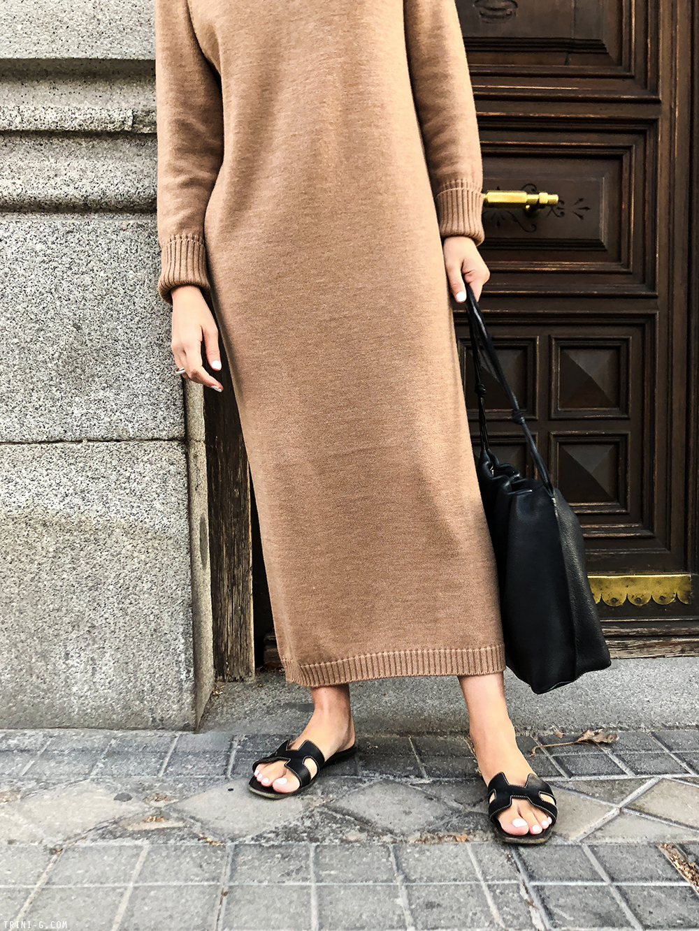 Trini | Max Mara dress Hermés Oran sandals