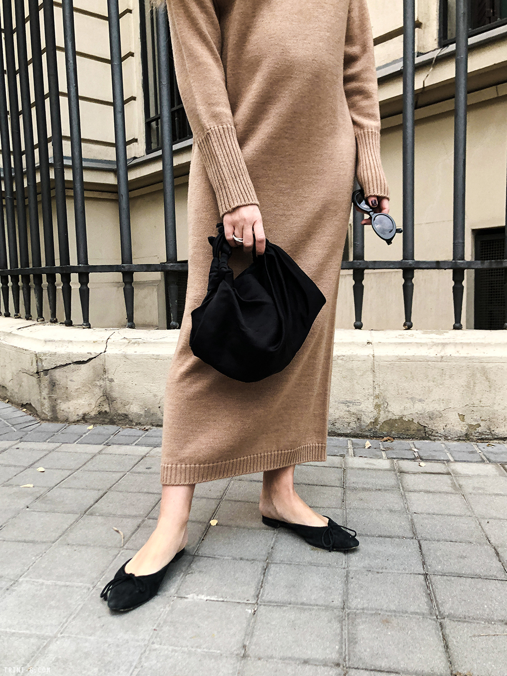 Trini |Max Mara dress Manolo Blahnik shoes
