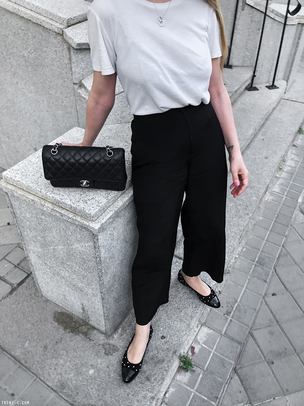 Trini | The Row t-shirt Theyskens Theory pants