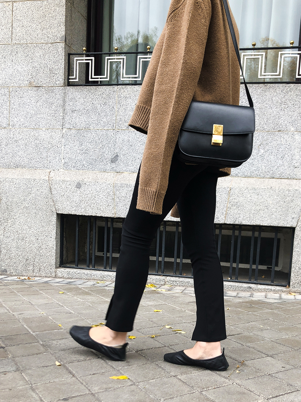 Trini | Céline sweater The Row leggings