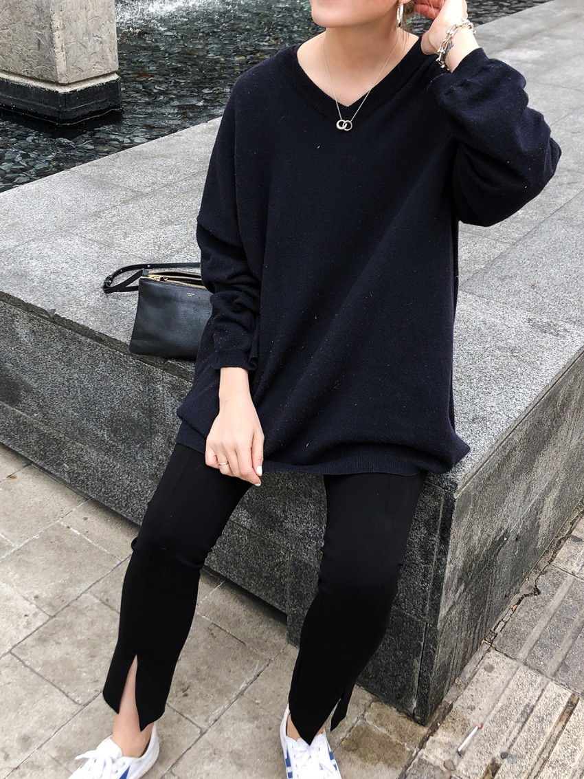 Trini | The Row leggings Loewe sweater