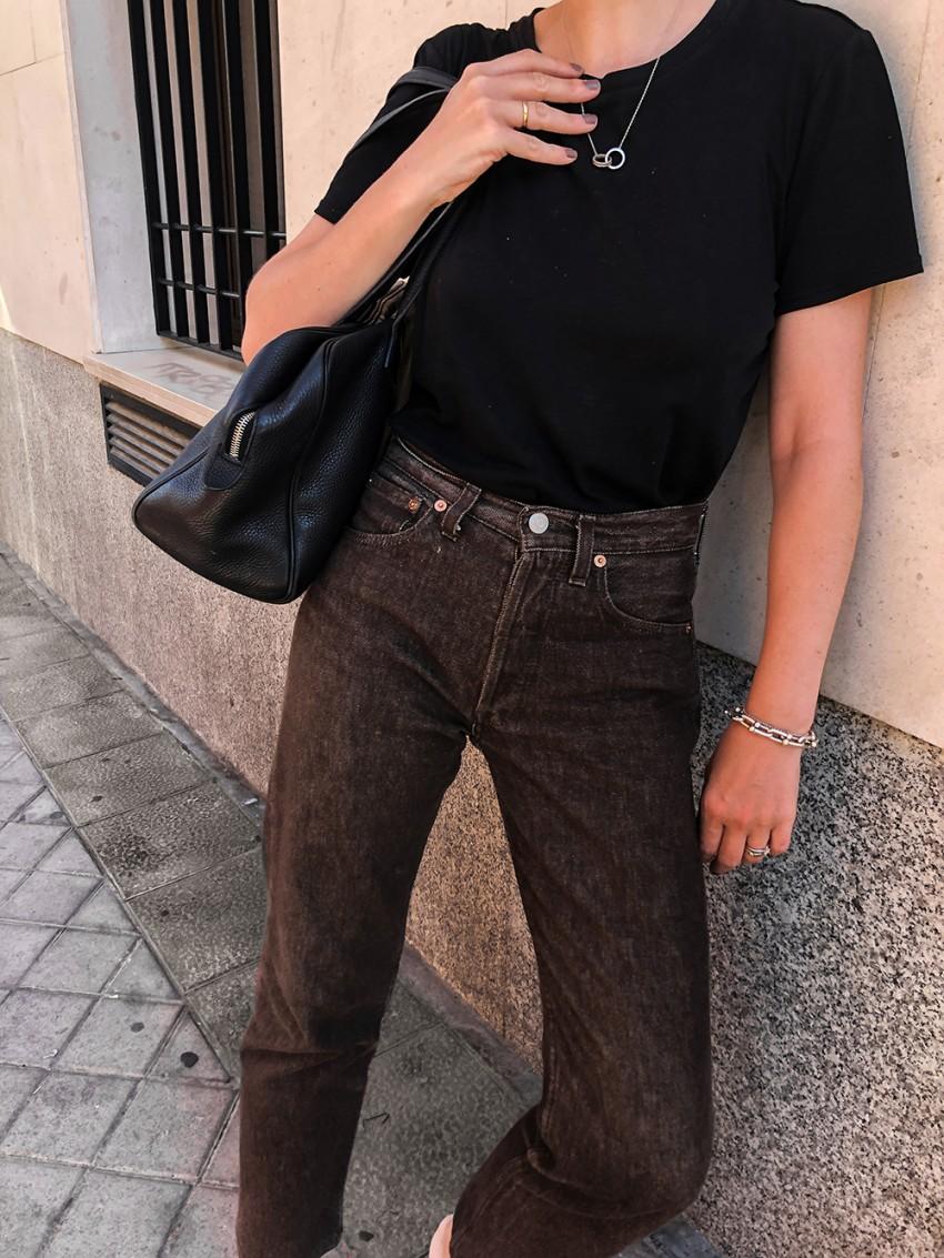 Trini | Levis jeans The Row tshirt