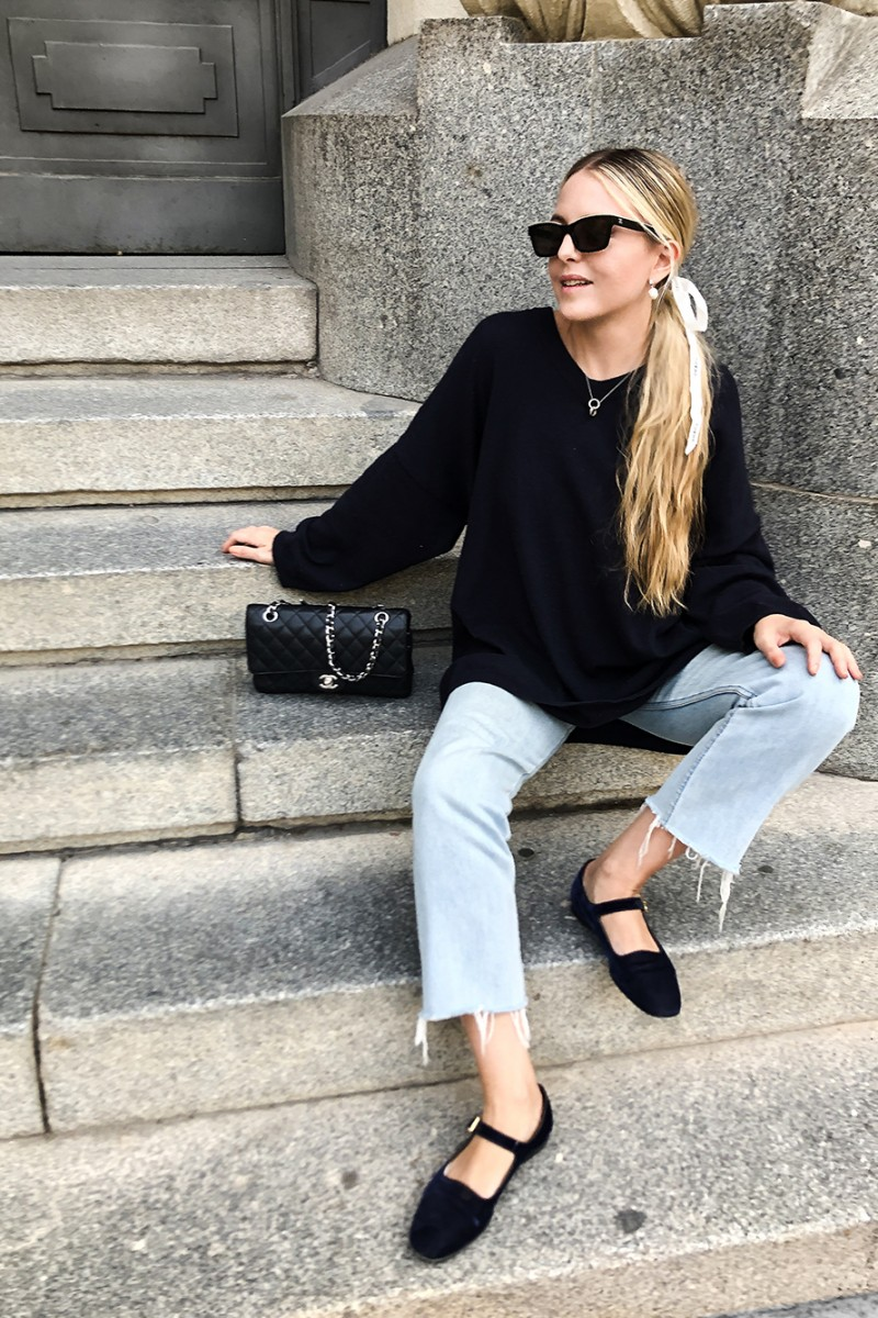 Trini | Loewe sweater Levi's jeans