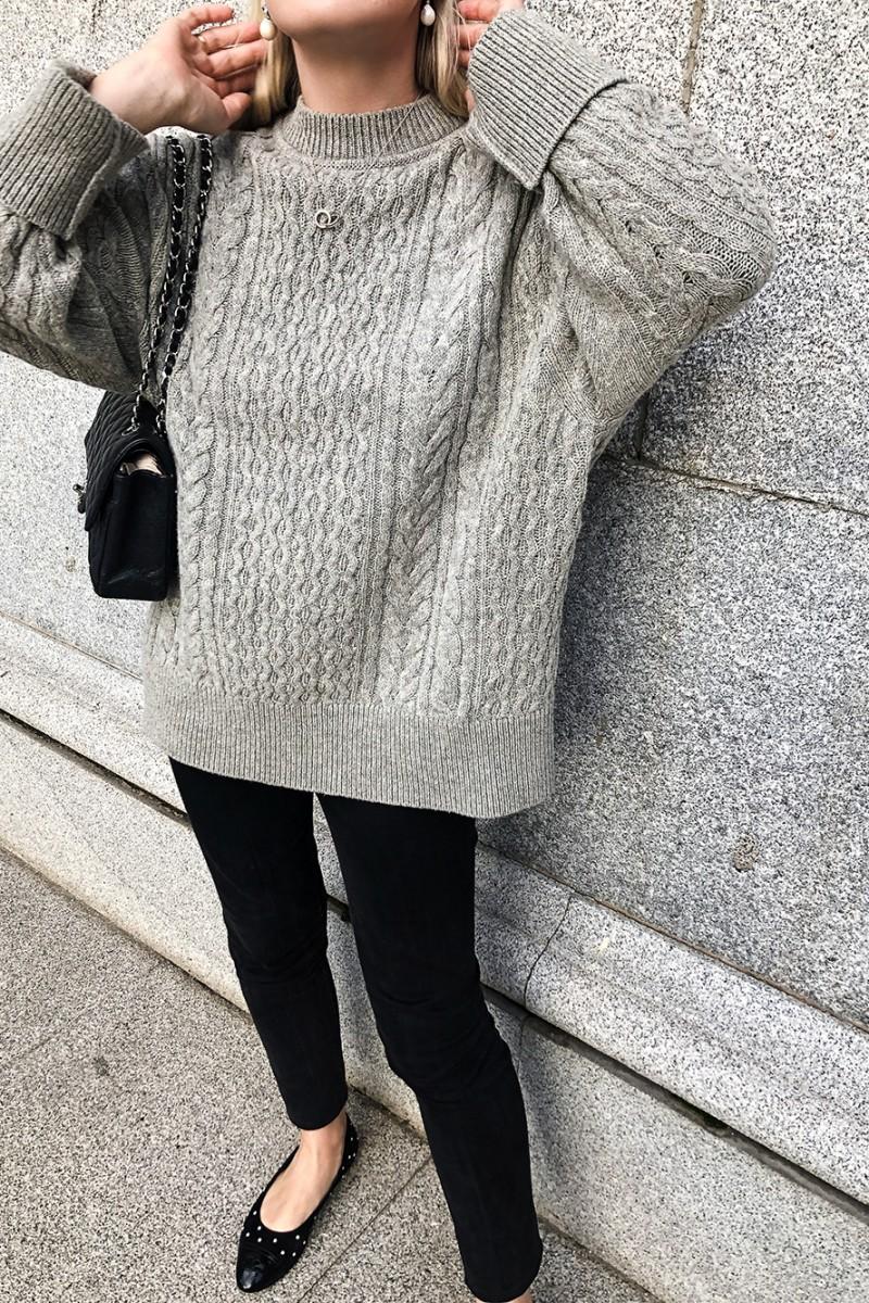Trini | Jil Sander sweater The Row leggings